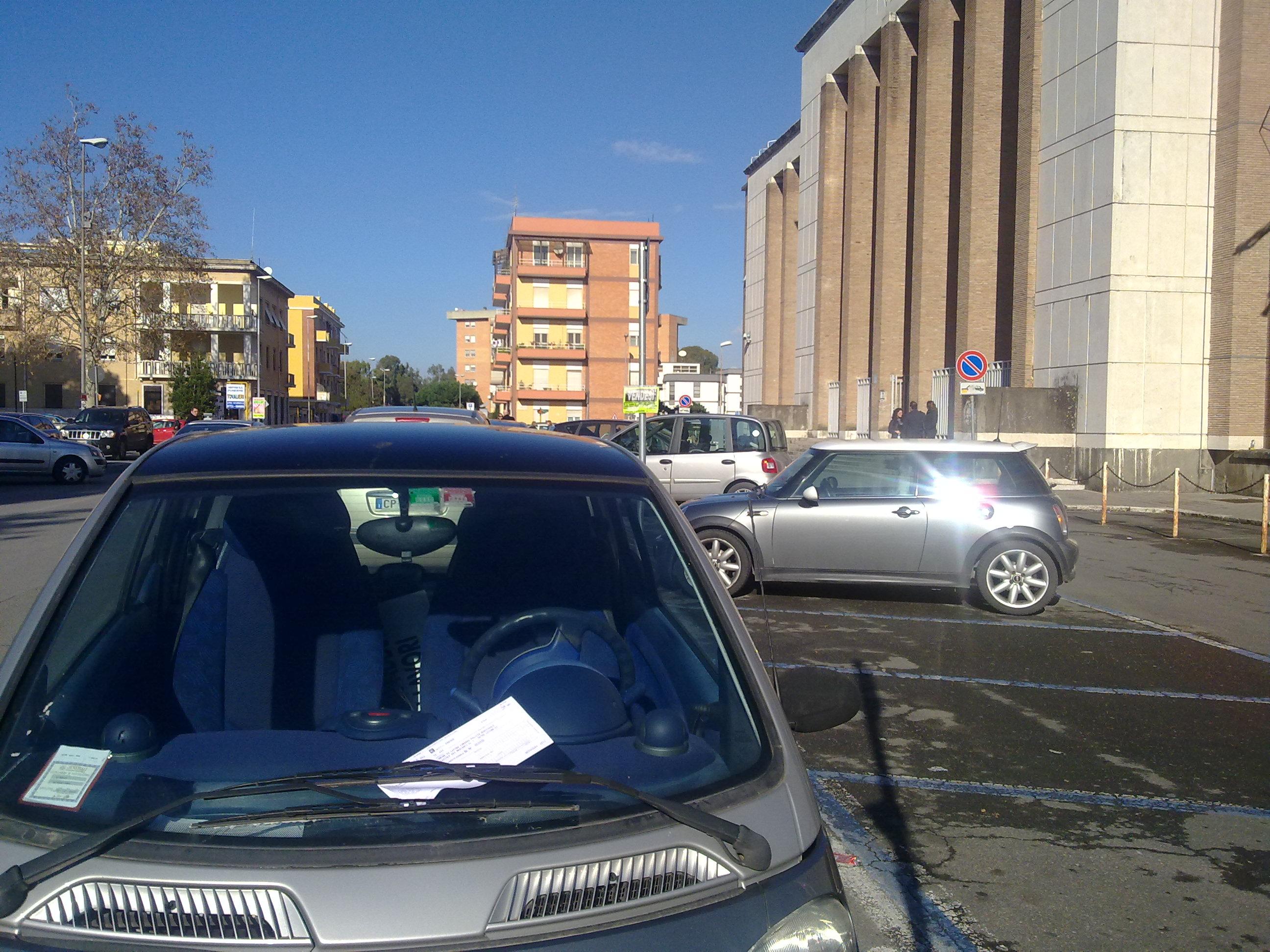 multa-auto-parcheggio-tribunale-latina-35655667
