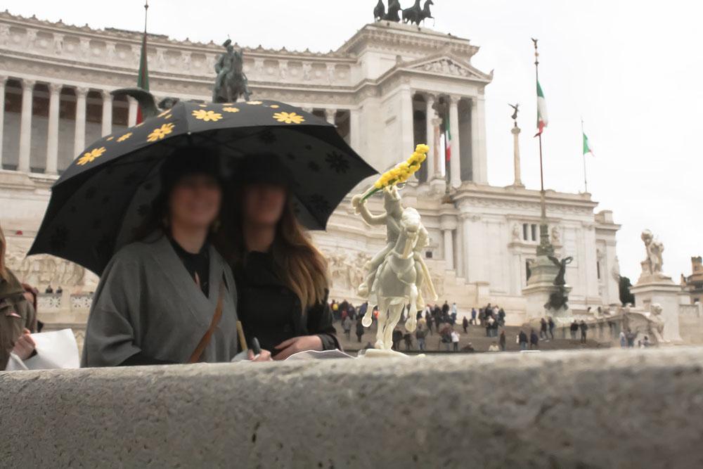 carabiniere_altare_patria_mandarinoadv_guerrilla_roma_latina_viva_l'Italia_web