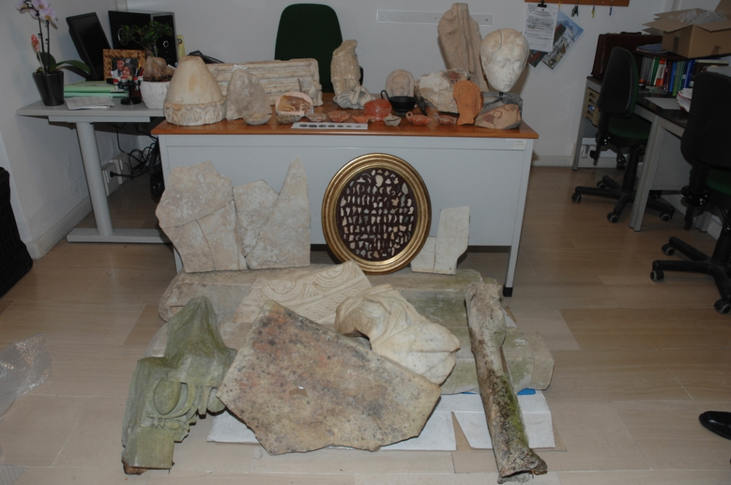 reperti-archeologici-sequestrati-terracina