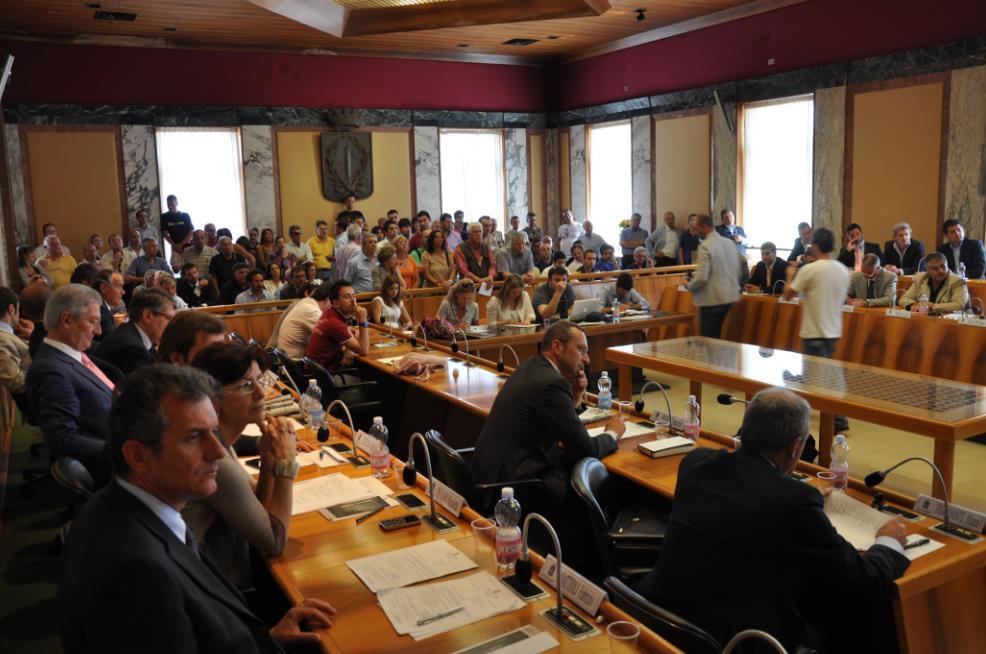 consiglio-comunale-latina-eyuge65ww.jpg