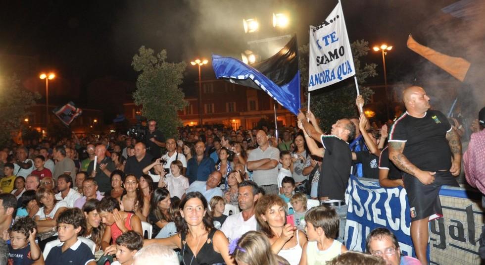 festa-latina-calcio-piazza-465524445