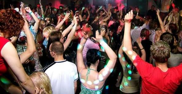 discoteca-rave-festa-latina-47678222