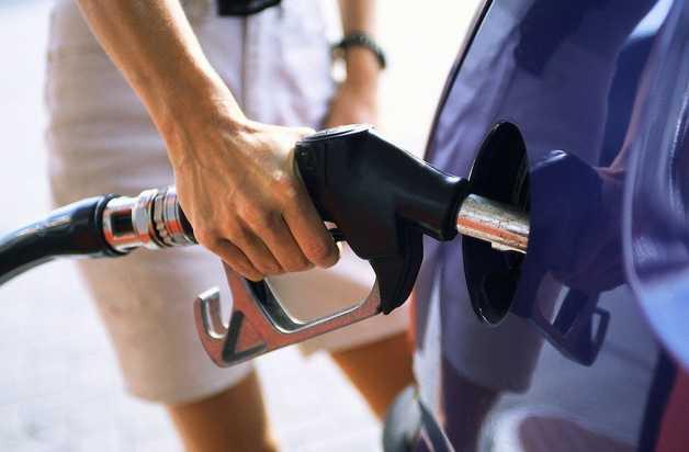 benzina-latina-pompa-auto-4687524