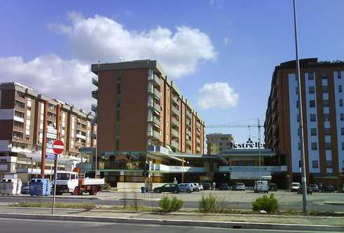 centro-lestrella-latina-6877625