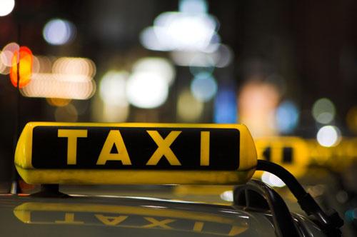 taxi-latina-7674862567
