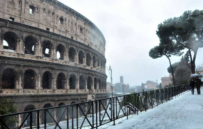 neve-roma-colosseo-64876822