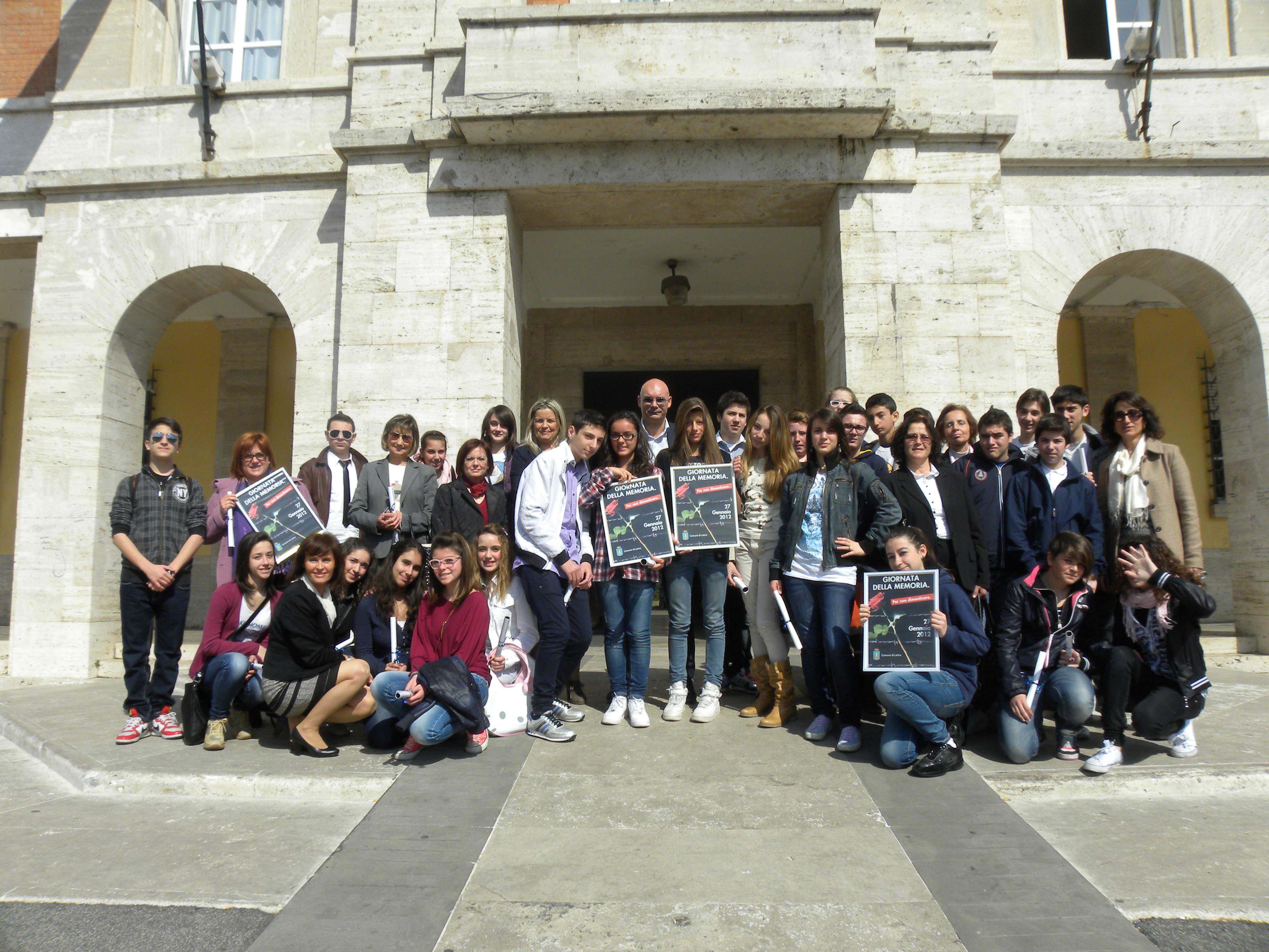 studenti-latina-Auschwitz-5687624