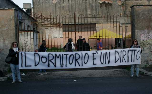Dormitorio Latina ~ Chiuso il dormitorio comunale, 50 senzatetto tornano in strada Latina 24ore it