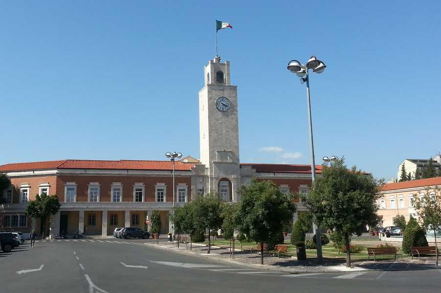piazza-popolo-latina-comune-09783345