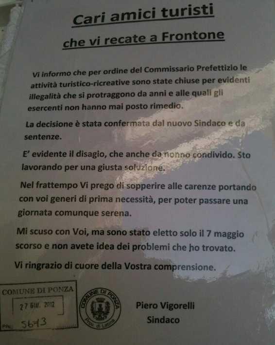 ponza-cartello-panini-sindaco-458334