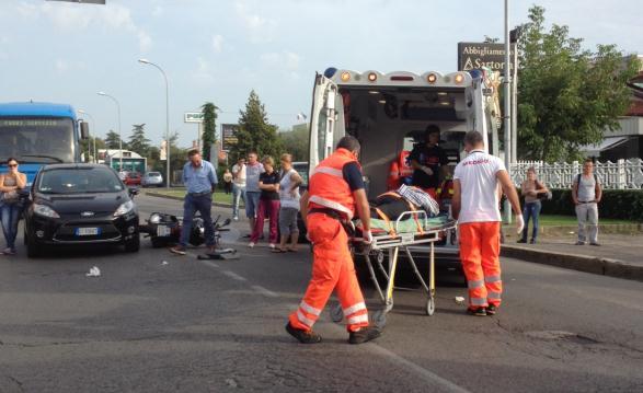 ambulanza-incidente-latina-568736345