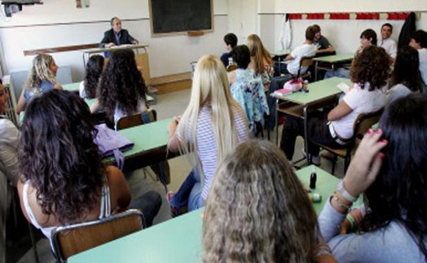latina-aula-scuola-studenti-classe-4872241