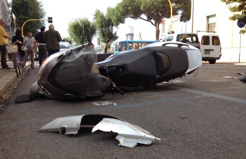incidente-scooter-via-del-lido-latina24ore-0058321