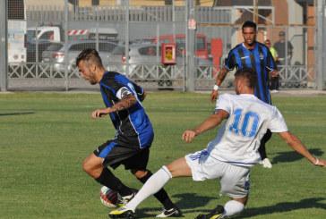 Calcio, Latina perde ma resta in vetta