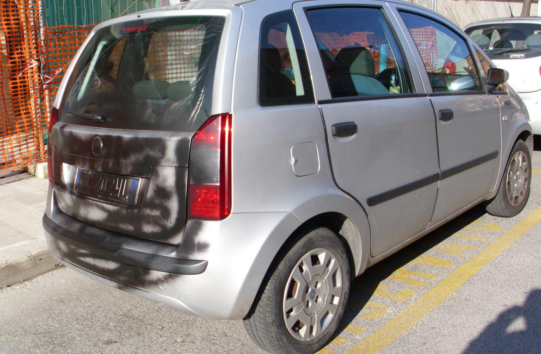 auto-vandali-zona-pub-latina-587892
