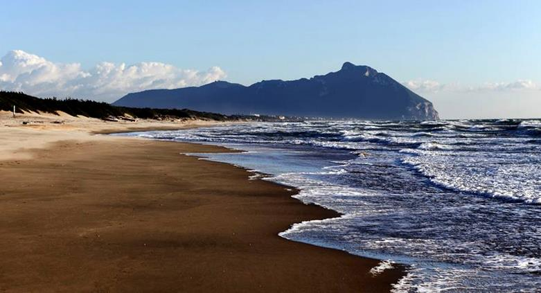 Matrimonio Spiaggia Circeo : Estate negli stabilimenti i primi bilanci sono negativi