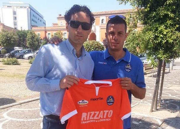 mauro-anzalone-maglietta-latina-calcio-asta-latina24ore-5763235
