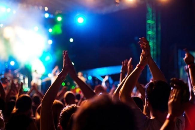 discoteca-concerto-musica-pubblico-latina-24ore-57676532
