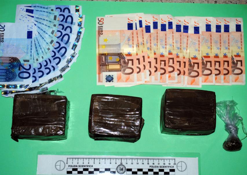 droga-soldi-hashish-latina24ore-5687732
