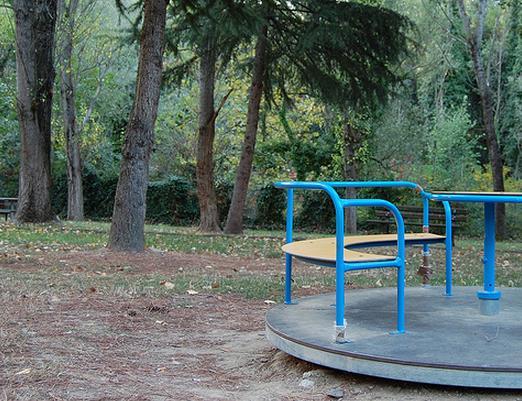 giostra-bambini-generica-parco-latina24ore-5623767