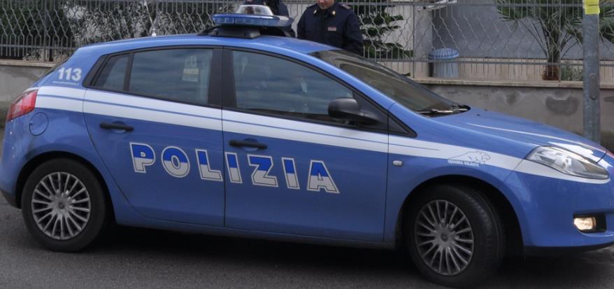 polizia-auto-latina-24ore