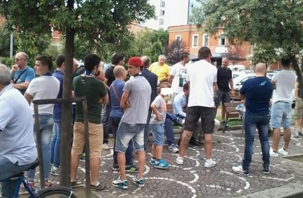 sit-in-tifosi-latina-piazza-popolo
