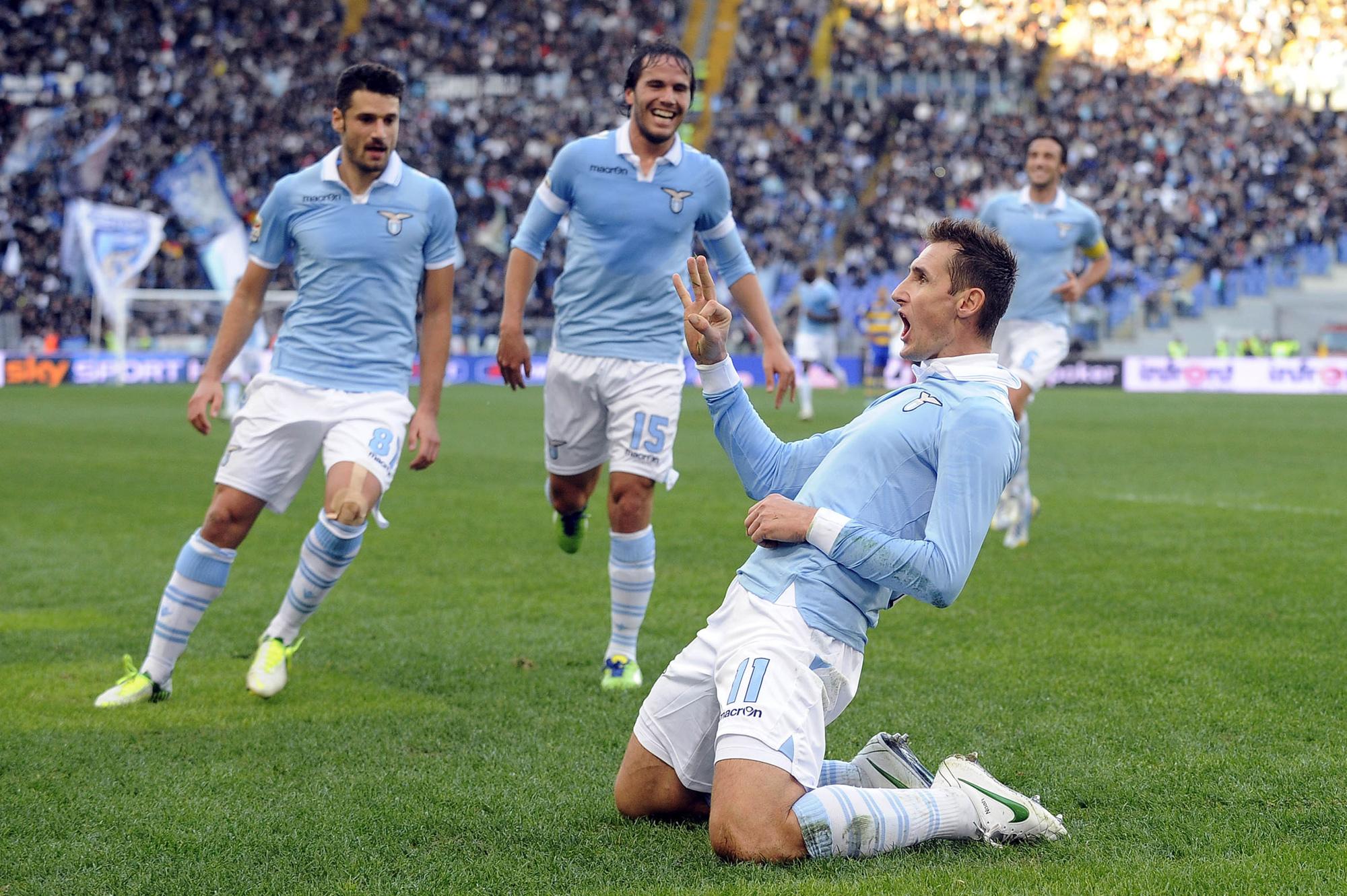 _Lazio_Miroslav_Klose_scored_a_goal_049712_