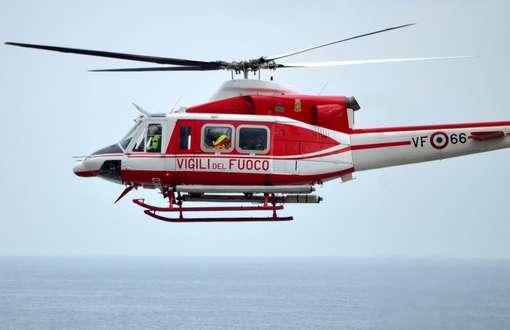 Elicottero Nero E Giallo : Giallo a roccasecca sparito un uomo e trovati frammenti