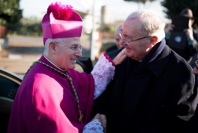 vescovo-latina-con-vicario