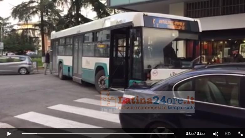 autobus-bloccato-latina