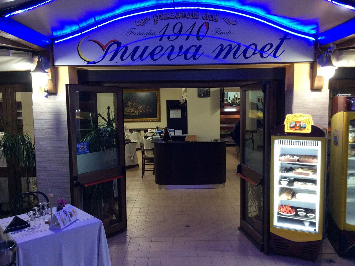 la-nuova-moet-scauri-bar-locale