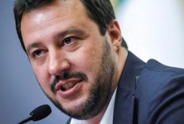 Elezioni, Salvini in piazza a Latina rilancia sulla legittima difesa