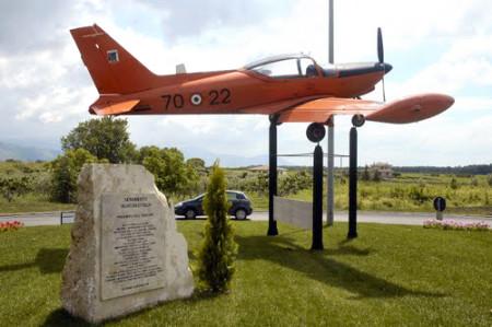 Monumento-aeronautica-cisterna
