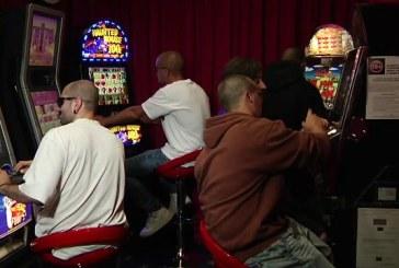 Rapina notturna nella sala slot in via Cairoli, bottino di 1.000 euro