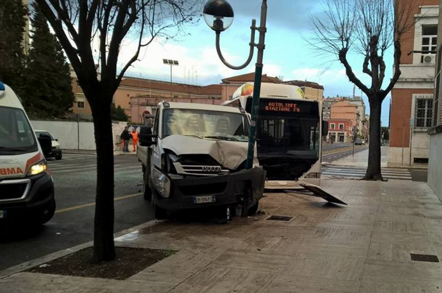 incidente-via-oberdan-latina