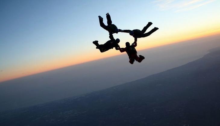 Precipita col paracadute, gravissimo capitano del Tuscania