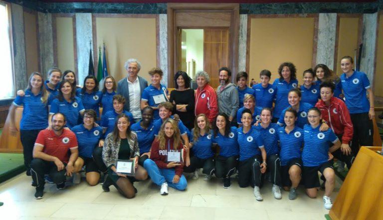 FOTO Il sindaco Coletta premia alcune giovani atlete pontine