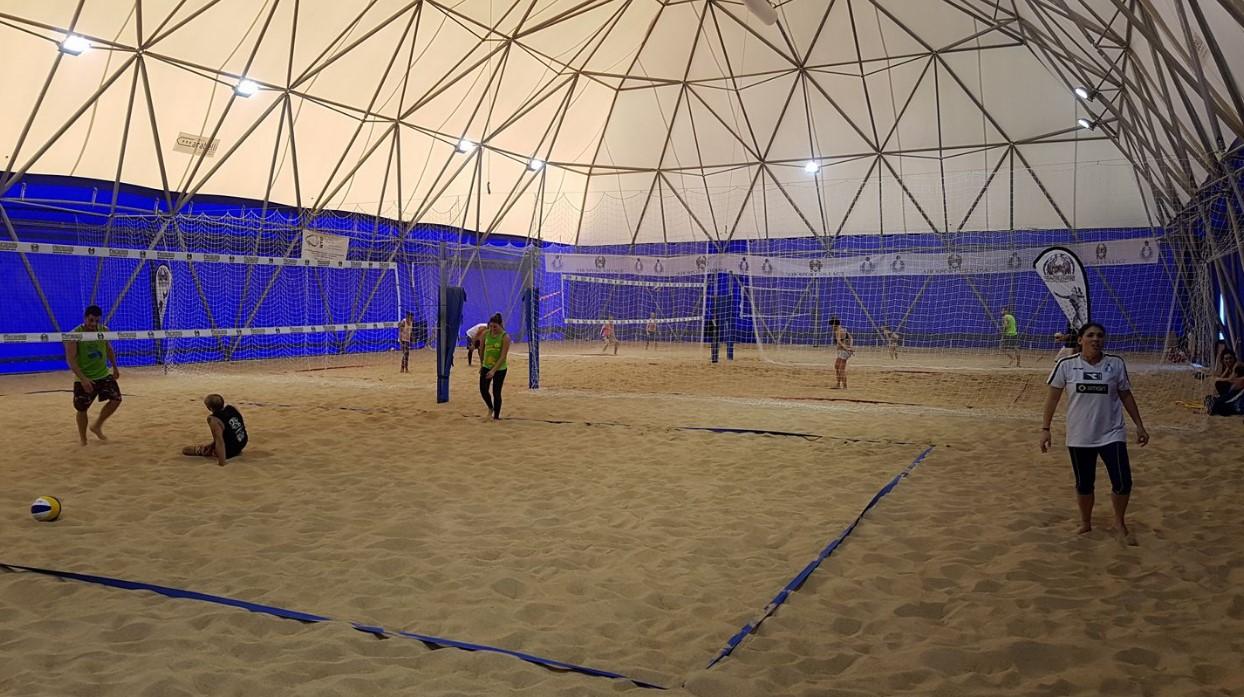 Latina, ragazza muore giocando a beach volley