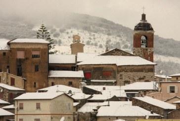 Arriva la neve in provincia ma non a Latina. Roma imbiancata, Pontina bloccata
