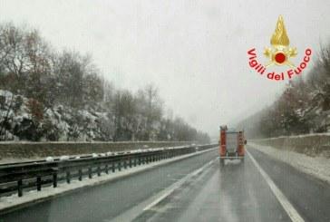 Neve, revocato il divieto di transito per i Tir
