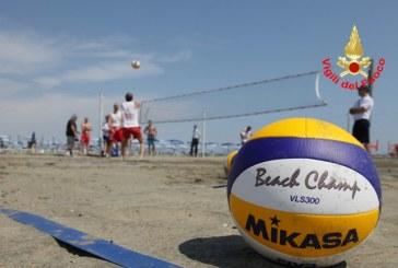 FOTO Vigili del fuoco, al via il torneo di beach volley Memorial Davide Liberati