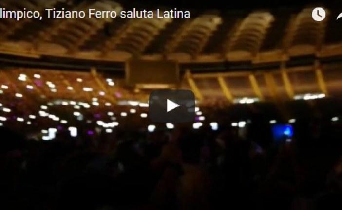 VIDEO Tiziano Ferro mantiene la tradizione e saluta Latina dal palco dell'Olimpico