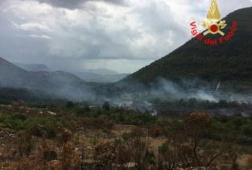 FOTO Doppio incendio, le fiamme colpiscono Maenza e l'Appia
