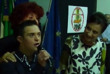 VIDEO Latina, il ministro Fedeli premia Valerio Catoia al liceo Manzoni