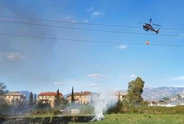VIDEO Baracche in fiamme in via Ezio, incendio agli argini del canale