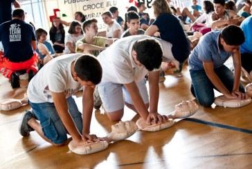 Primo soccorso a scuola, gli studenti di Latina imparano come salvare una vita