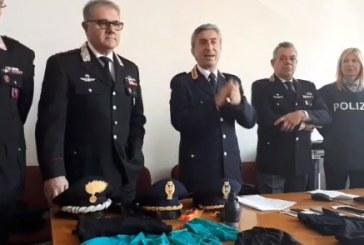 VIDEO Tentano il colpo in banca con una finta bomba a mano, arrestati