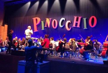 Gli allievi del Collegium Musicum nel Pinocchio di Edoardo Leo