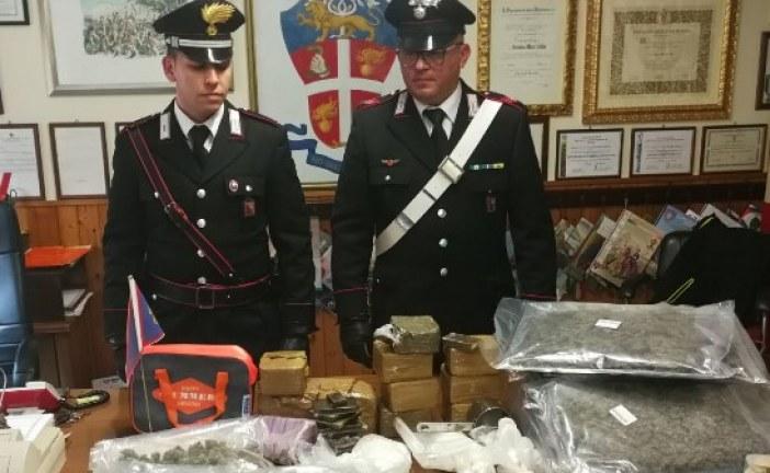 Sequestrati 18 kg di droga, due arresti dei carabinieri