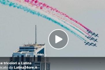 VIDEO Le frecce tricolori sorvolano Latina